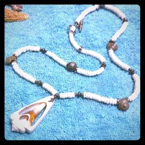 Jewelry - 🛍️2 for $15🛍️ Sliced Shell Necklace